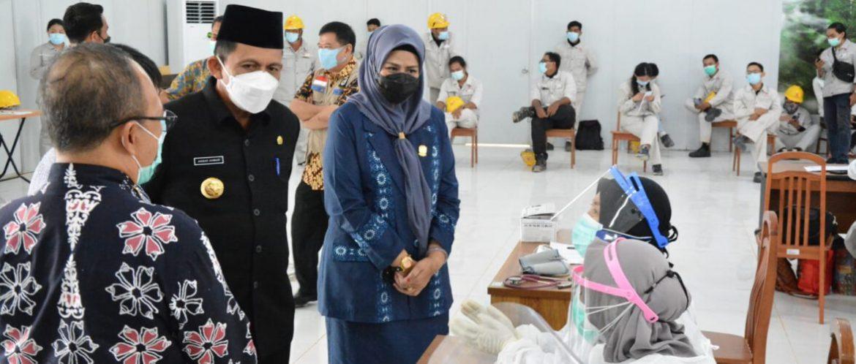 Gubernur Kepri Tinjau Vaksinasi Di PT BAI