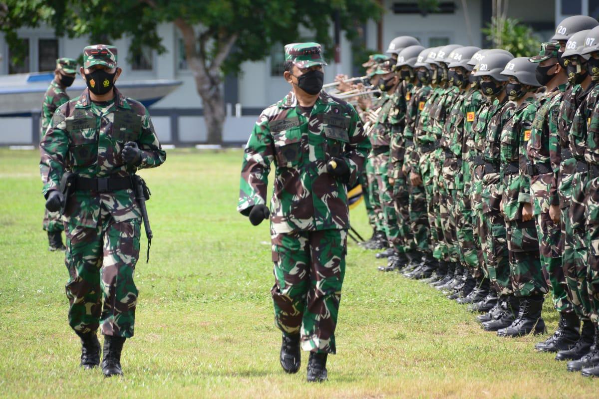DANLANTAMAL IV HADIRI UPACARA PEMBUKAAN PENDIDIKAN PERTAMA  BINTARA DAN TAMTAMA TNI AL