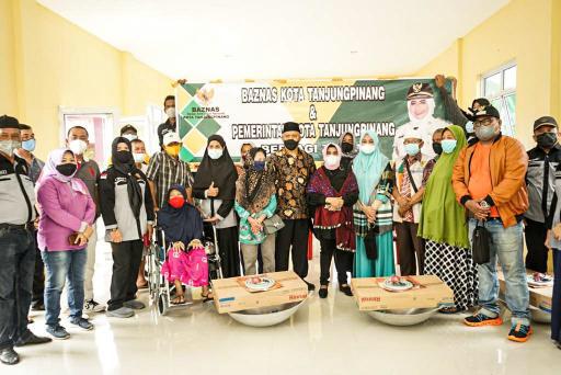 Rahma Bantu Renovasi RTLH dan alat Rumah Tangga di Teluk Keriting