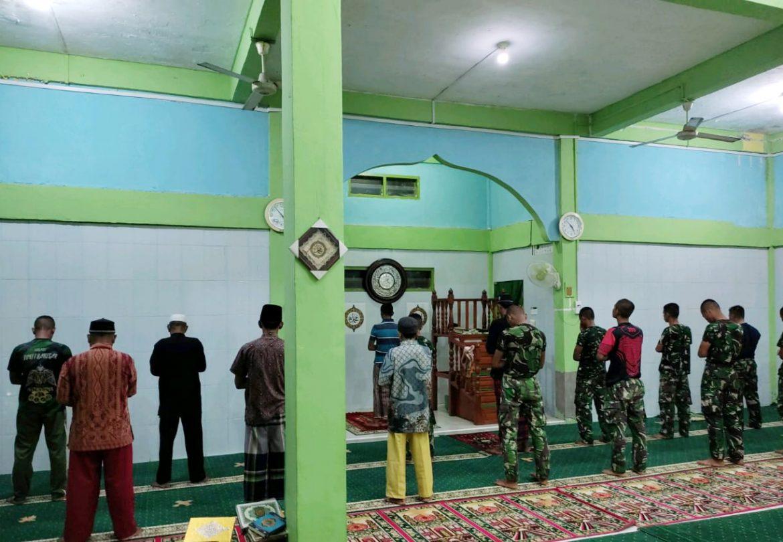 Sholat Subuh Berjamaah Bikin Satgas TMMD Ke 111 Kodim 0315/Bintan Semakin Dekat dengan Warga Marok Tua
