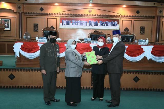 Dihadapan Dewan, Walikota Sampaikan Jawaban Terhadap Pandangan Umum Fraksi DPRD Pelaksanaan APBD TA 2020