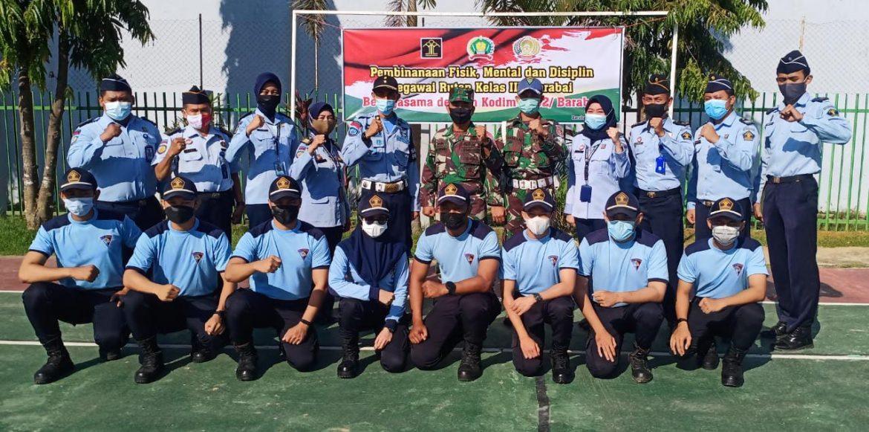 Babinsa Kodim 1002/HST Lakukan Pembinaan Fisik, Mental Dan Disiplin Pegawai Rutan Kelas IIB Barabai