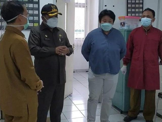 Bupati Karimun Bpk. Dr. H. Aunur Rafiq, S.Sos, M.Si., didampingi Kadis Kesehatan Bpk. Drs. Rachmadi, Apt. M.Ap., Lakukan Sidak Ke RSUD M. SANI
