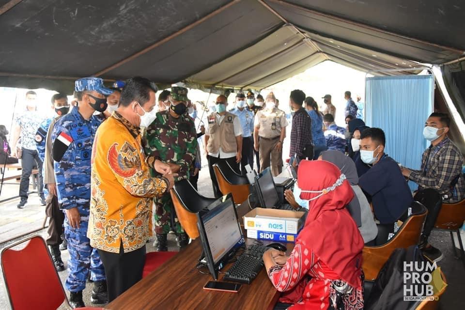 Gubernur Hadiri Serbuan Vaksinasi ke-2 LANUD Raja Haji Fisabilillah