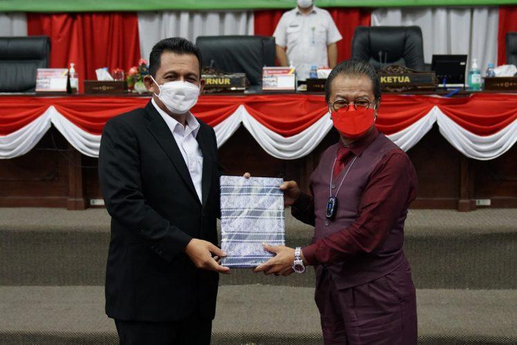 Gubernur Kepri Sampaikan Nota Keuangan dan Ranperda APBDP 2021 Kepada DPRD