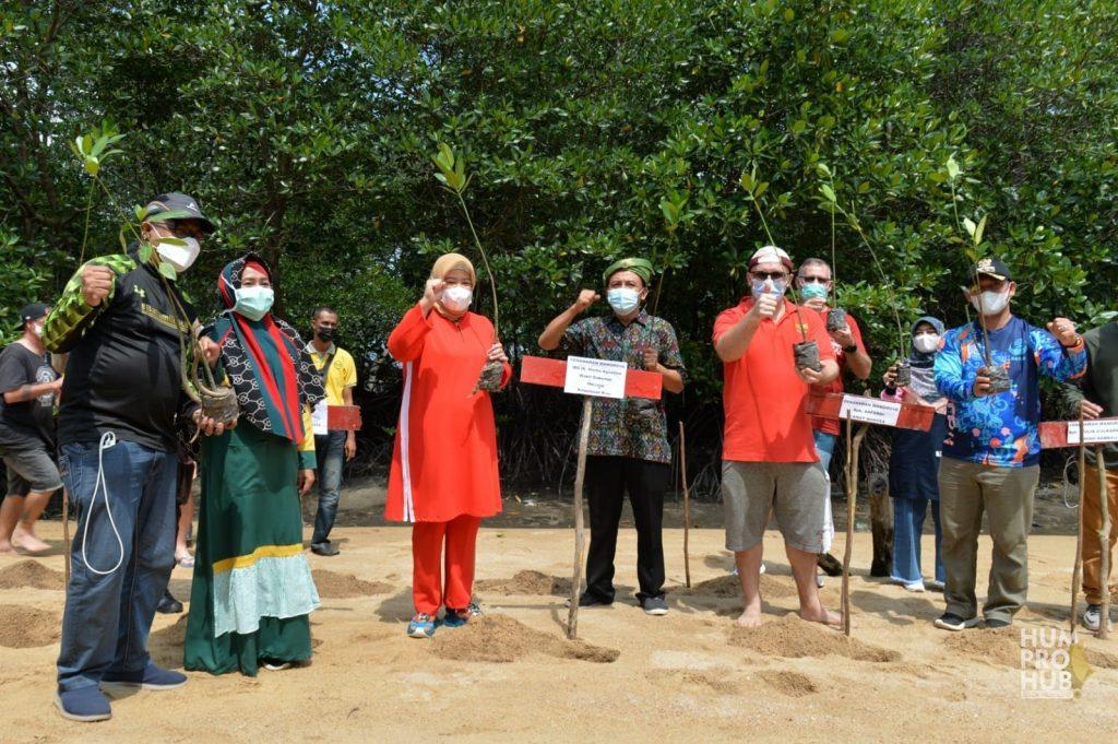 Gerakan Pelestarian, Wagub Kepri Tanami Mangrove