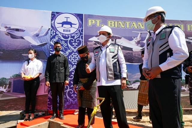 Gubernur Kepri Lakukan Groundbrekaing Pembangunan Gudang Industri Kapal Hoverwing di Dompak